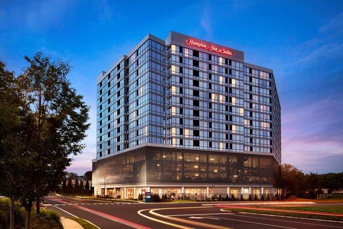Hampton Inn & Suites Teaneck/Glenpointe