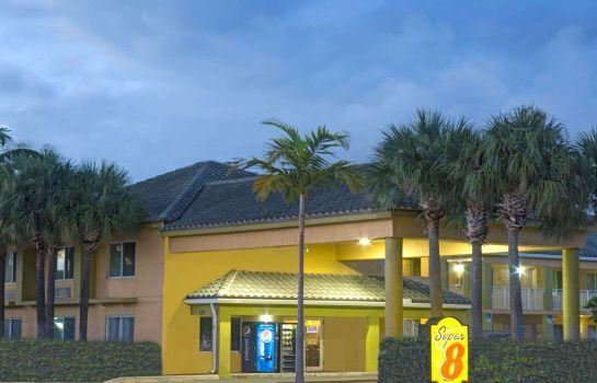 Super 8 by Wyndham Dania Fort Lauderdale Arpt