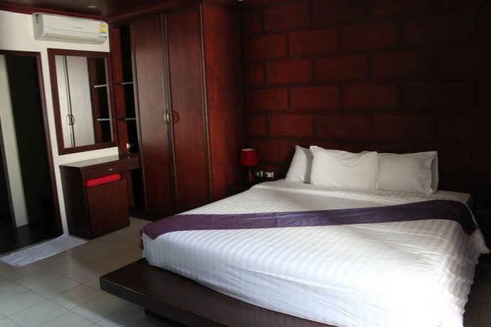 Phuket Guest Friendly Hotels - Capannina Inn