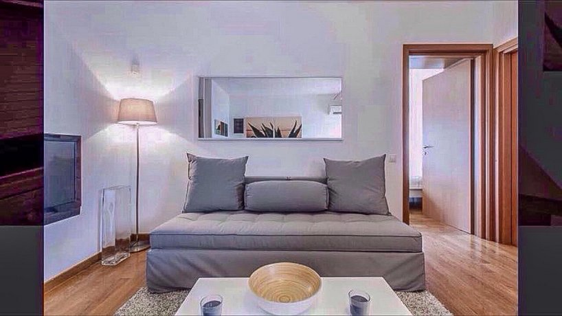 Modern & Lovely Athenian Riviera Apartment