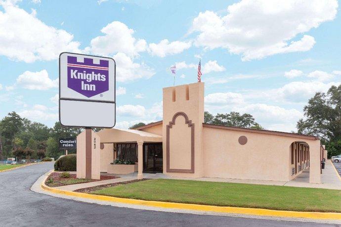 Knights Inn - Tucker