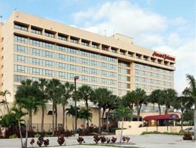 Howard Johnson Plaza Hotel Hialeah Gardens
