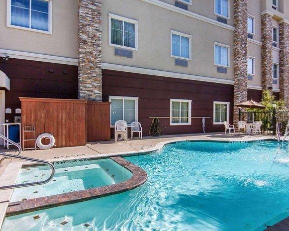 Marhaba Inn & Suites Longview South - I-20
