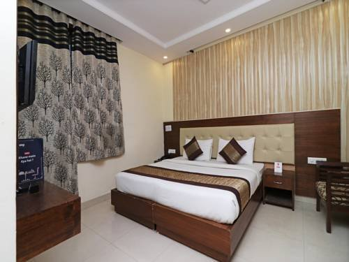 OYO Rooms South City I