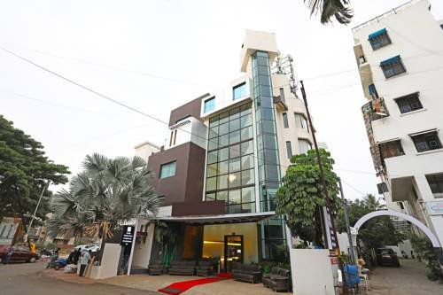 Oyo 10672 Hotel Riviera