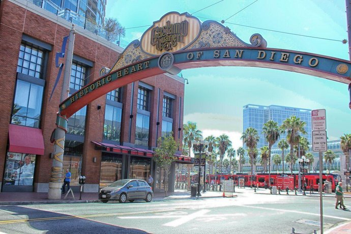 Furnished Apartments in Gaslamp Quarter