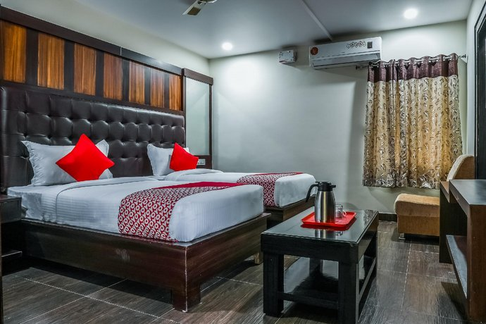 OYO 16155 Hotel Dcm Grand