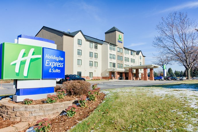 Holiday Inn Express Hotel & Suites Coon Rapids - Blaine Area
