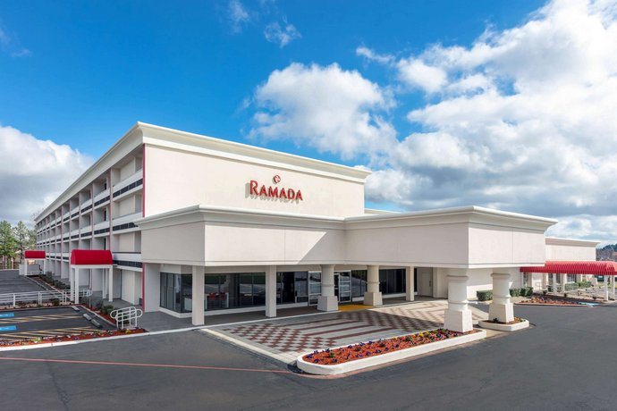 Ramada by Wyndham Texarkana