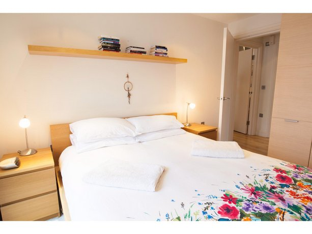 Sunny & Charming Flat for 2 in Tranquil Richmond
