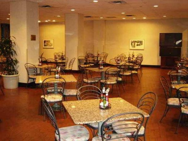 Embassy Suites Parsippany - Compare Deals
