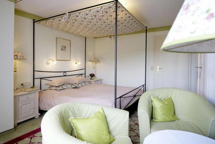 Restaurant Sonne Kirchzarten Compare Deals Hotel