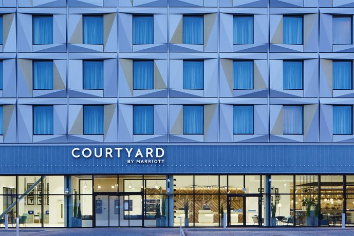 Courtyard by Marriott Luton Airport