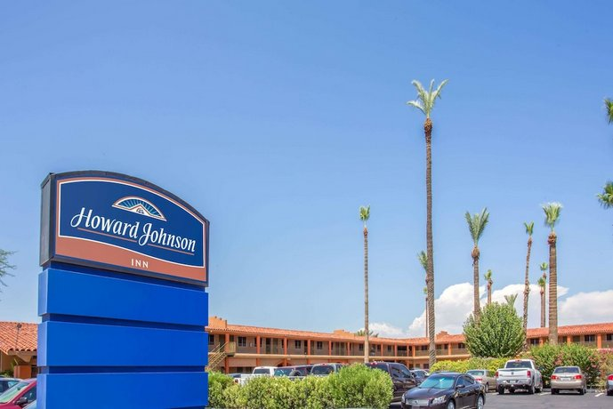 Howard Johnson by Wyndham Phoenix Airport Downtown Area Hotel