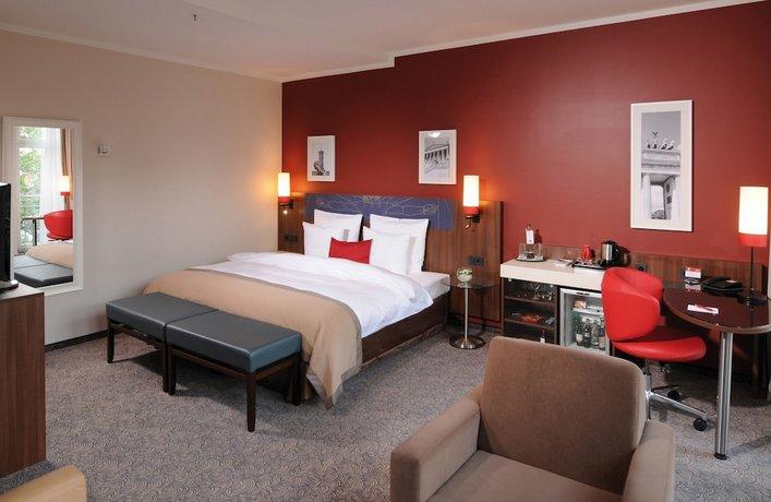 מלון לאונרדו רויאל צילום של הוטלס קומביינד - למטייל (3)