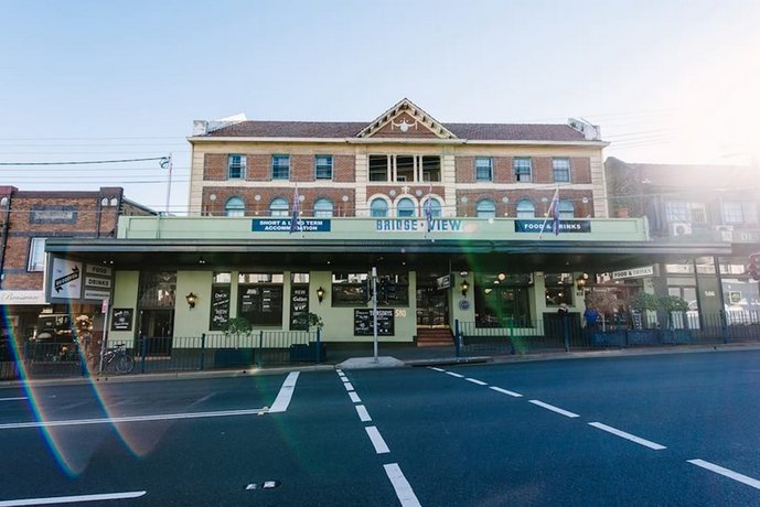 Bridgeview Hotel Willoughby