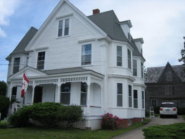 A Seafaring Maiden Bed and Breakfast