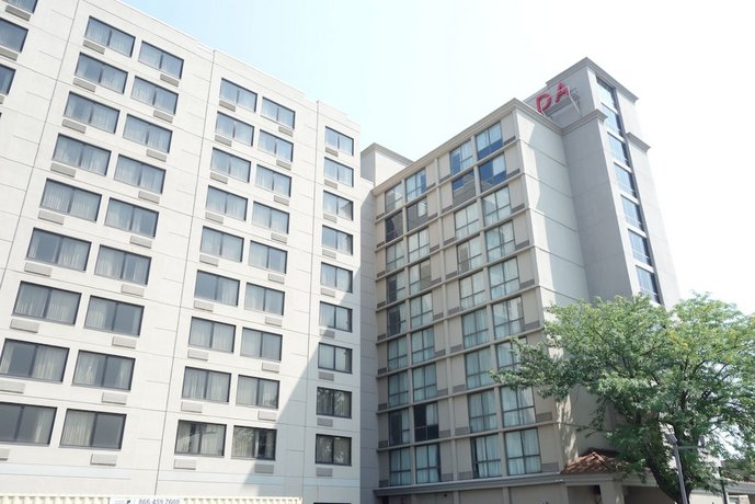 Ramada Plaza by Wyndham Newark International Airport
