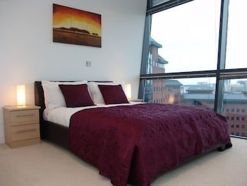 Quay Apartments Salford Manchester