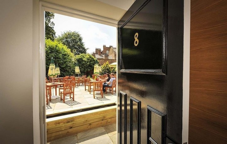 The Gillygate Pub With Rooms York Compare Deals