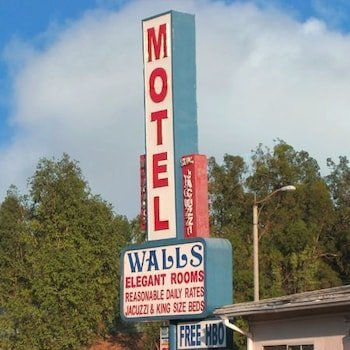 Walls Motel Long Beach