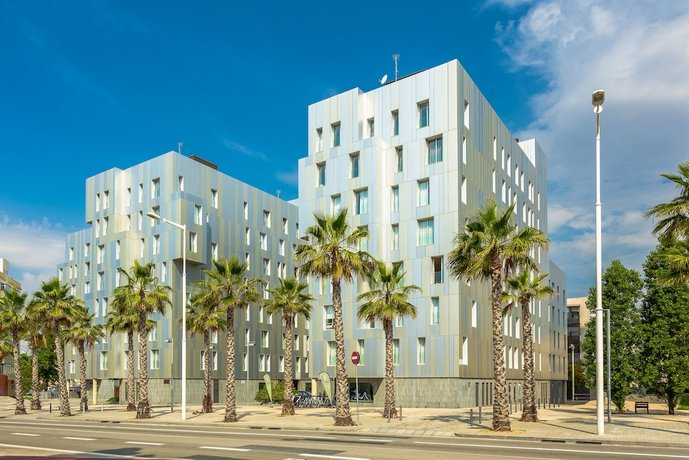 Urban District Rambla Suites & Pool