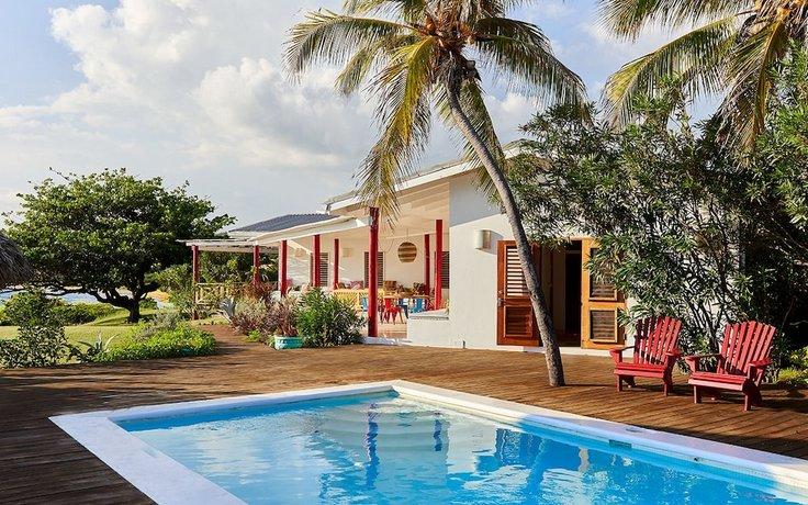 Pelican Three-Bedroom Villa