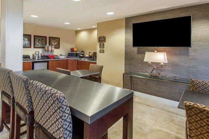 microtel inn suites by wyndham atlanta buckhead area. Black Bedroom Furniture Sets. Home Design Ideas