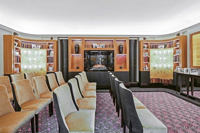 Cabina Armadio Paris Hilton.Maison Astor Paris Curio Collection By Hilton Parigi Offerte In Corso
