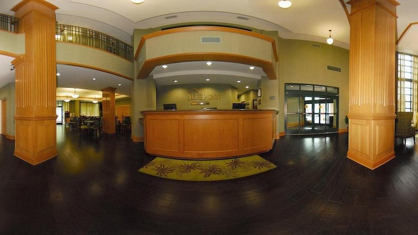 sleep inn at court square memphis compare deals. Black Bedroom Furniture Sets. Home Design Ideas