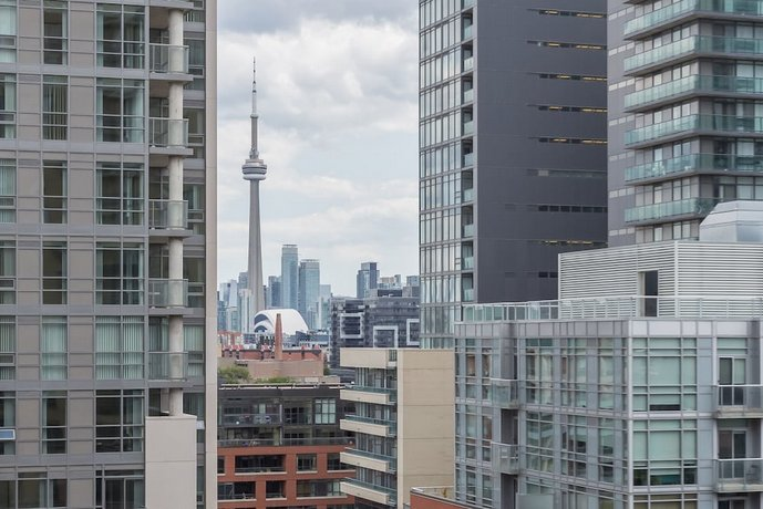 AOC Suites - Luxury Condo - City/CN Tower View