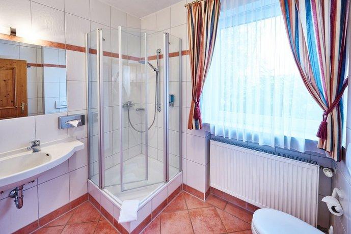Hotel Am See Neutraubling Die Gunstigsten Angebote