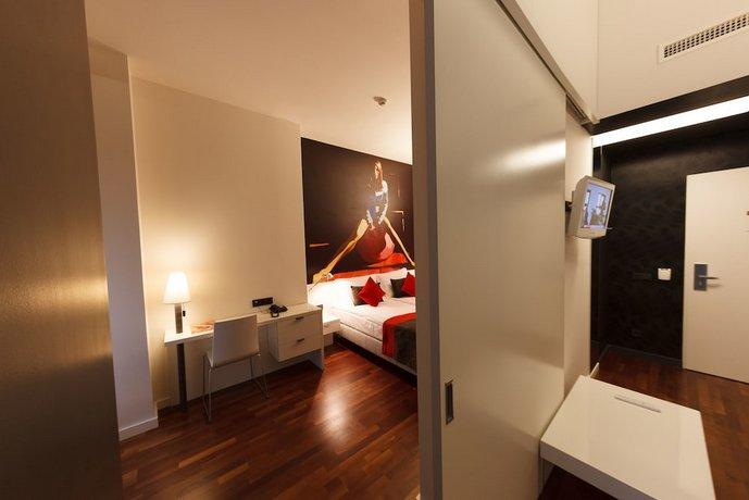 מלון בוהם ארט צילום של הוטלס קומביינד - למטייל (3)
