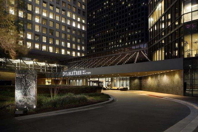 DoubleTree by Hilton Houston Downtown