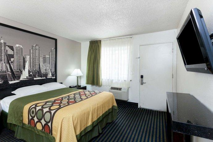super 8 by wyndham san diego hotel circle. Black Bedroom Furniture Sets. Home Design Ideas