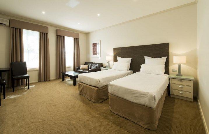 beau monde international. Black Bedroom Furniture Sets. Home Design Ideas