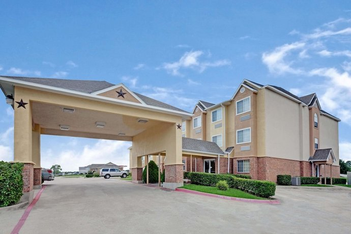 Microtel Inn & Suites by Wyndham Dallas Mesquite I 30