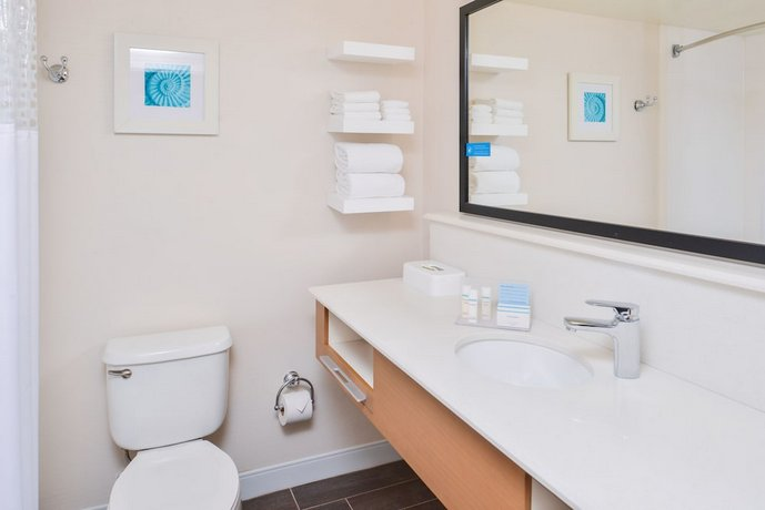 About Country Inn Suites By Radisson Vero Beach I 95 Fl