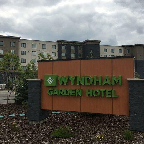 Wyndham Garden Calgary Airport
