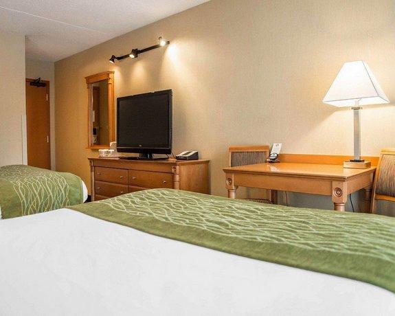 Comfort Inn Brockville Compare Deals