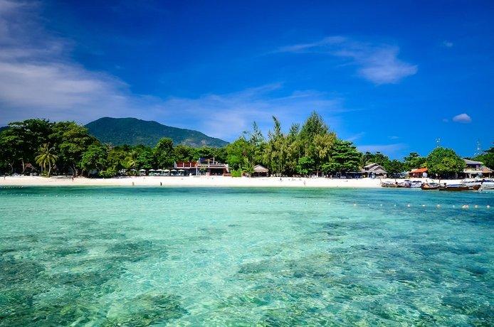 AKIRA Lipe Resort