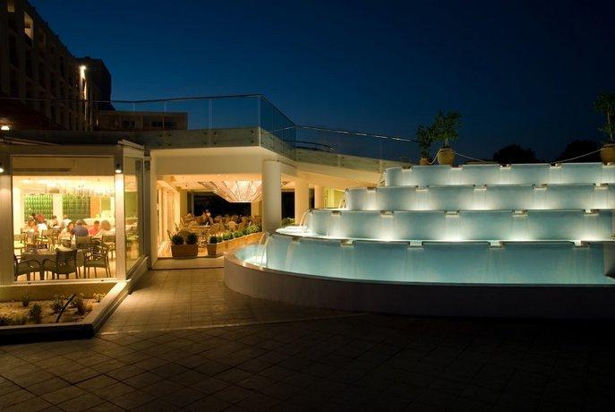 מלון עדן רוק ריזורט צילום של הוטלס קומביינד - למטייל (1)