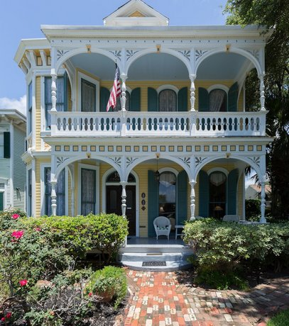Coppersmith Inn Bed and Breakfast