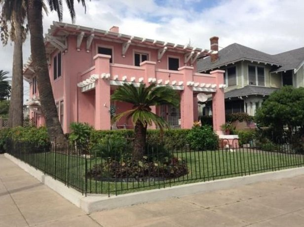 The Villa Bed & Breakfast Galveston
