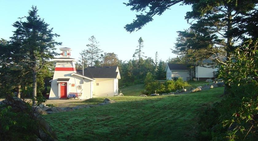 Sluice Point Cottages