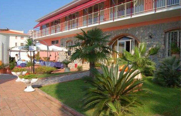 Belvedere Hotel Club