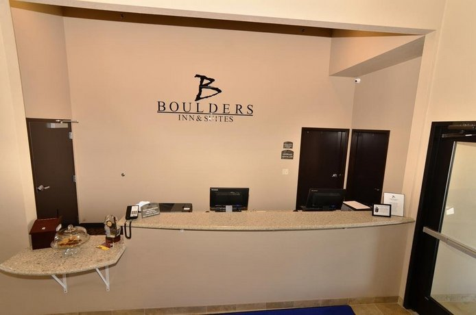 Boulders Inn and Suites by Cobblestone Hotels - Holstein