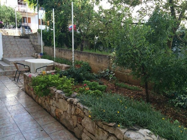 Apartments Nives Stari Grad