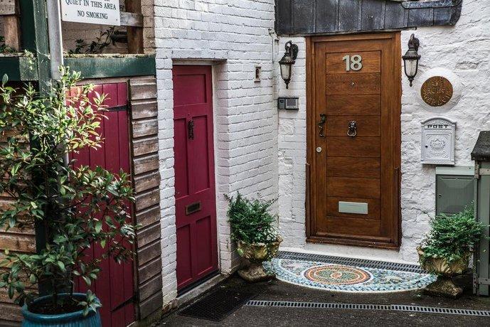 Sacred Garden Retreat Glastonbury