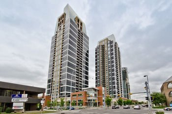 Monki Di Executive Suites - Alura Calgary